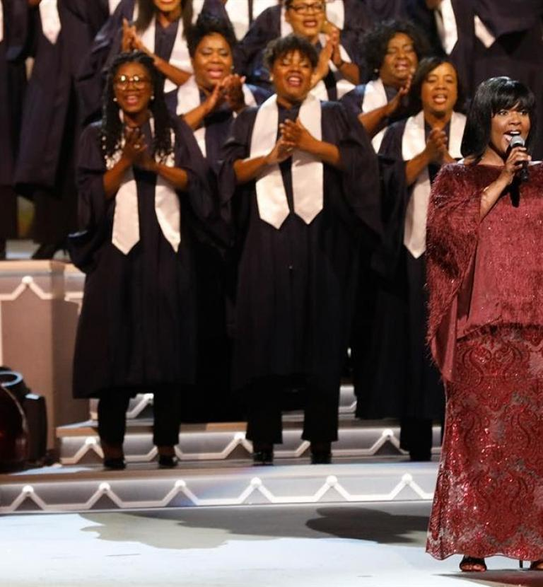 CeCe Winans - Joy To The World (Live from CMA Country Christmas)