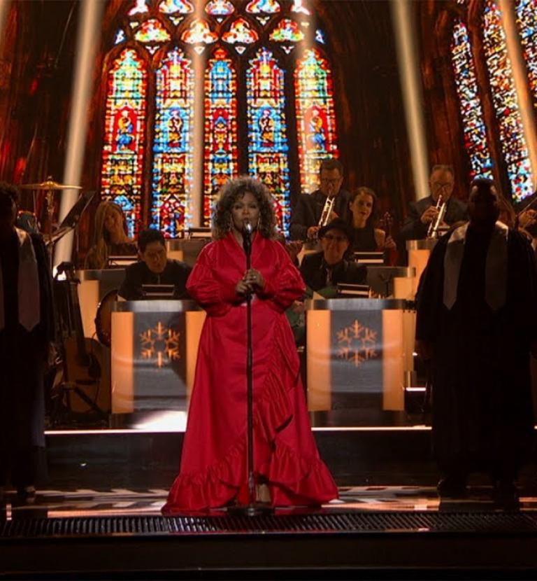 "CeCe Winans - ""Hark the Herald Angels Sing"" 